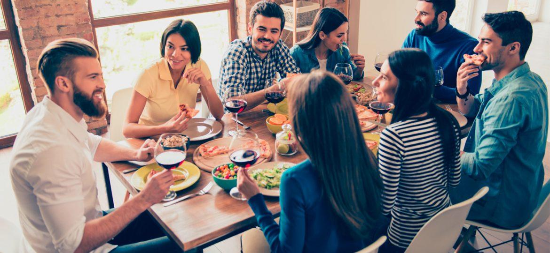Organiza la mejor reunión con amigos en casa ¡Cinco tips imperdibles!