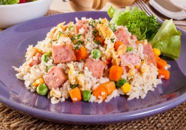 ¿Sin tiempo para cocinar? Hagamos arroz con jamonilla