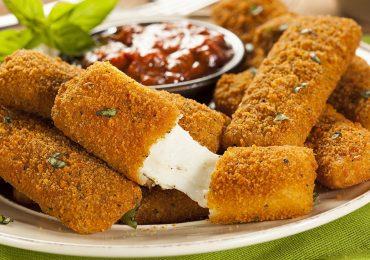 ¡Fácil e irresistible!: Deliciosos deditos de queso mozzarella