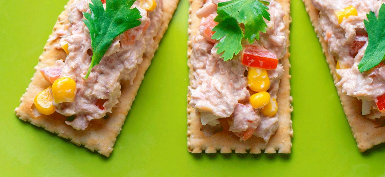 Hora de comer delicioso: 3 piqueos fáciles con atún