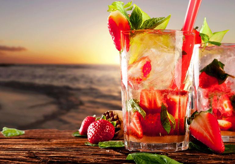Refresca tus días de verano con estas deliciosas y coloridas bebidas