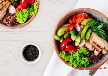 Receta keto: Ensalada de quinoa ¡será una de tus favoritas!