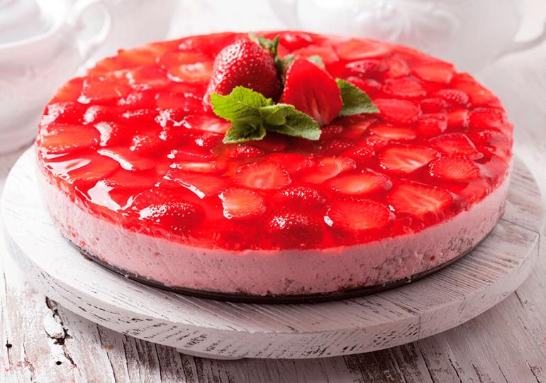 ¿Mucho calor?: Refresca tu paladar con un rico pastel de fresa